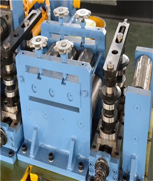 焊管设备轧辊适当保养,增加使用时间